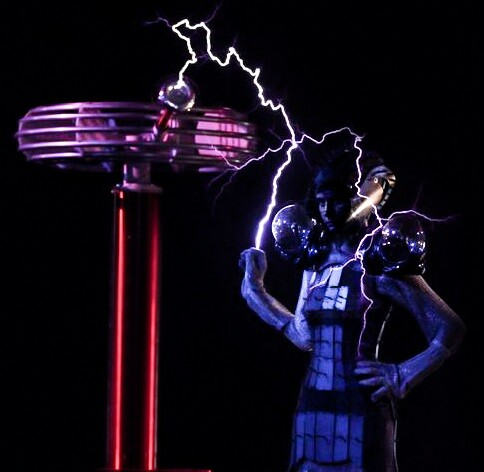 Anouk performs with singing Tesla coil