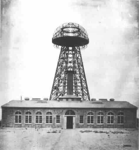 A picture of Tesla's tower at Wardenclyffe